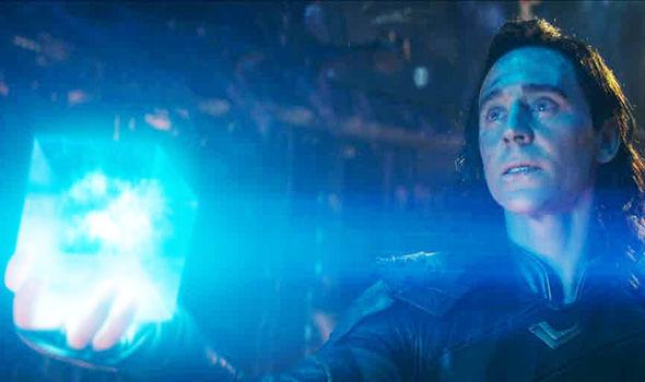 Joia do Espaço Loki Vingadores